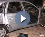 Veículo ficou bastante danificado.