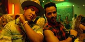 """Daddy Yankee y Luis Fonsi en el videoclip de """"Despacito"""""""