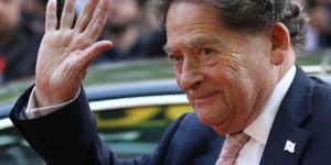 """Lordul Nigel Lawson a afirmat că Marea Britanie nu are nevoie de """"culegătorii de fructe români"""""""
