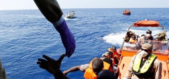Migranti, il caso Zuccaro al Csm