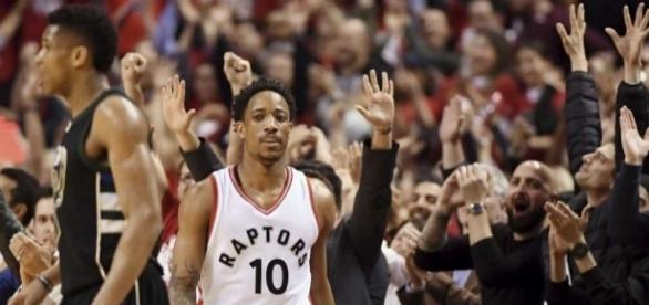 Spurs, Raptors try to move on to second-round showdowns/Photo via timesunion.com