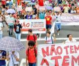 Membros da CUT agridem humorista Marcelo Madureira