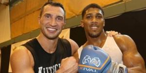 Wladimir Klitschko ed Anthony Joshua, sul ring di Wembley per i titoli monidiali WBA, IBF ed IBO