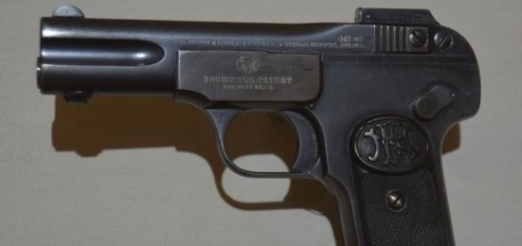 Foto gratis: Pistola, Arma, Arma Da Fuoco - Immagine gratis su pixabay.com