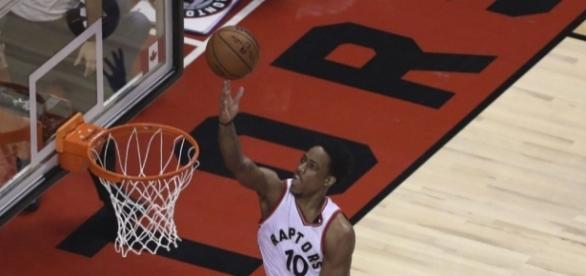 Lowry lifts Raptors to 106-100 Game 2 win over Bucks   Toronto Star - thestar.com