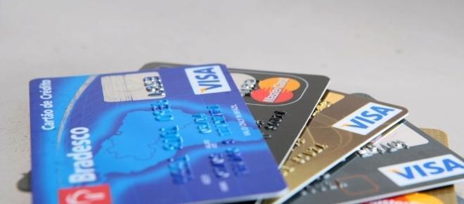 Cartão de crédito: entenda melhor e evite o endividamento