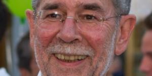 Unrasiert, sanierungsbedürftiges Gebiss, wirre Gedanken: Österreichs Staatsoberhaupt. [blastingnews picture archives]