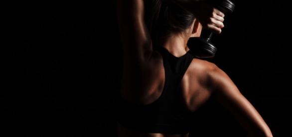 10 ejercicios 'low cost' para hacer en casa. Ponte en forma ... - galeniashop.com