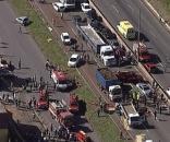 O grave acidente deixou seis feridos e teve as faixas fechadas por quase 2 horas (Foto: Reprodução/TV Globo)