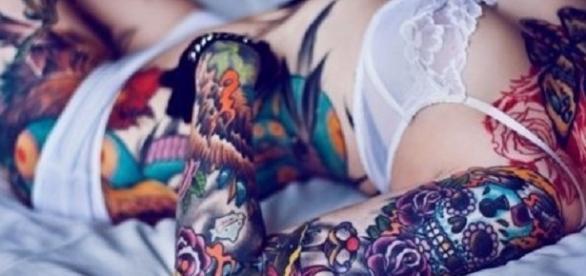 Dez motivos para você se apaixonar por mulheres tatuadas