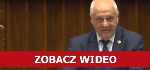 Niesiołowski wybuchł na sali plenarnej.