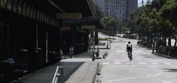6 de abril, huelga, Buenos Aires parecía que vivía un día feriado