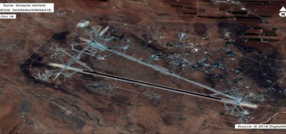 La base aérienne de Sheyrat (Syrie) a été frappé par des missiles américains