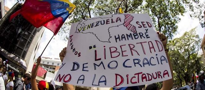 Maduro se fue a Cuba a recibir instrucciones de su jefe