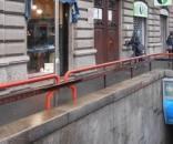 Milano: uomo armato di coltelli semina panico in viale Monza