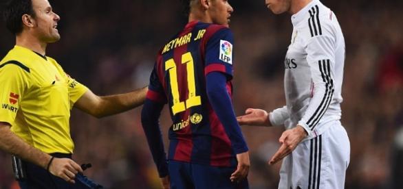 Barcelona 2-1 Real Madrid: Luis Suarez scores El Clasico winner to ... - dailymail.co.uk