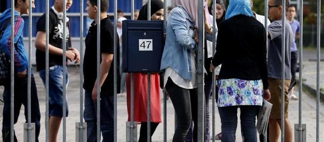 Olanda, 1.250 euro di multa per immigrati che non superano test di integrazione