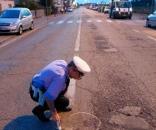 Milano, scooter investe bimba sulle strisce pedonali