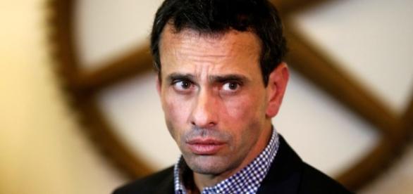 Capriles anuncia que fue inhabilitado por 15 años (+Documento) - lapatilla.com