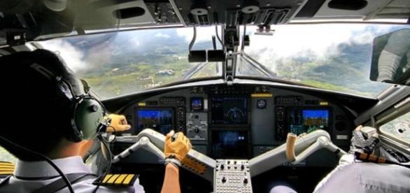 Super Job. Aber wie super sind die Piloten? (Source URG Suisse Blasting News Archives)