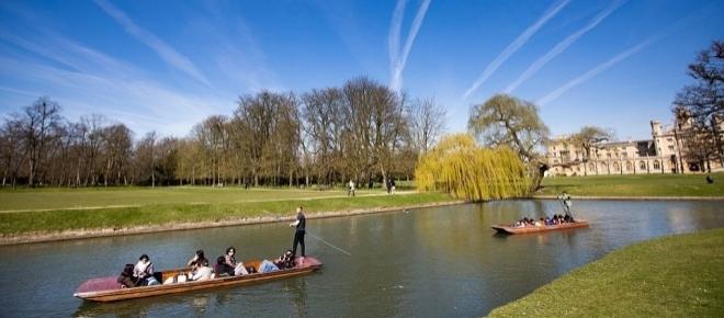 Britain basks in glorious weekend