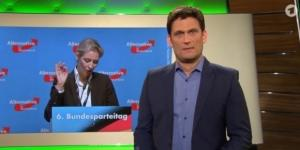 "Moderator Christian Ehring vom NDR zieht in ""extra3"" über AfD-Frau Alice Weidel her / Foto: NDR"
