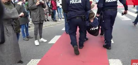 Lewicowe bojówki zneutralizowane przez policję.