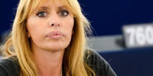 Alessandra Mussolini contro il Comune di Roma per via del suo cognome