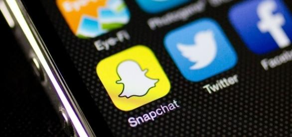 Snapchats no longer have to disappear after 10 seconds. / from 'CNN' - cnn.com