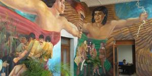 Los murales en el Palacio Municipal identifican la entidad con la heroica Historia de México.