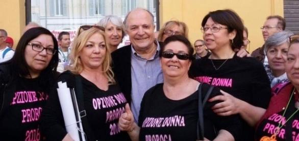 Pensioni, manifestazione a Roma, foto pubblicata sulla pagina Facebokìok Opzione donna proroga 2018
