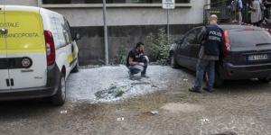 Paura a Roma, doppia esplosione in strada davanti alle Poste.