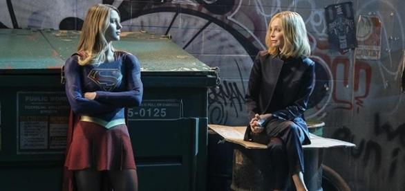 "Calista Flockhard returns as Cat Grant in the season 2 finale of ""Supergirl."" (via SpoilerTV/The CW)"