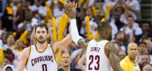 LeBron James on Kevin Love trade rumors: 'It's trash, and the guy ... - sportingnews.com