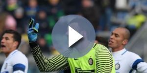 La rabbia di Samir Handanovic dopo la sconfitta
