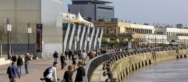 Un yacht à 55 millions de dollars s'installe à Bordeaux