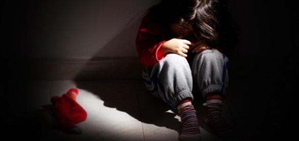 Bimba incinta stuprata dal patrigno - TVNotas