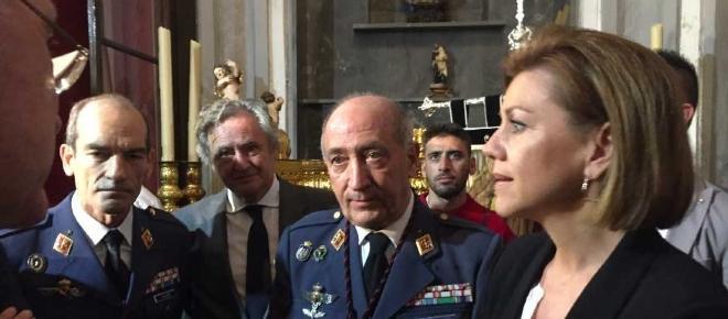El homenaje de Cospedal al aviador franquista que bombardeó Andalucía