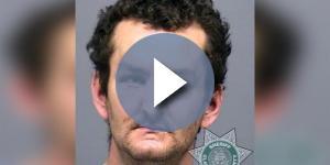 Joshua Lee Webb está sendo acusado de ter assassinado sua mãe e de ter tentado matar um funcionário de um mercado nos EUA