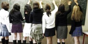 Pour les lycéens, une Journée nationale de la jupe vendredi ... - liberation.fr