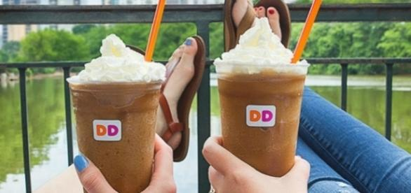 Dunkin' Donuts giving away free frozen coffee samples today. Photo: Blasting News Library - hip2save.com