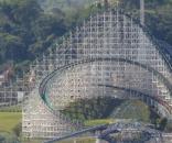 A quinta maior montanha-russa de madeira do mundo - flickr.com
