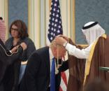 Riad riabbraccia l'alleato americano. Patto con Trump anti-Teheran ... - lastampa.it