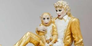 Bubbles and Jackson featured on three sculptures in 1988