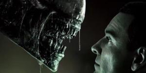 Imagen de Alien y Androide David (via Hemeroteca - blogdecine.com)