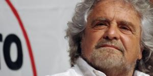 Marcia 5 Stelle, la Chiesa 'scomunica' Beppe Grillo. Critico anche Renzi