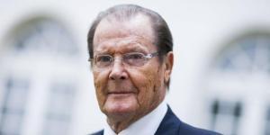 Roger Moore : L'ancien James Bond, 86 ans, est atteint de diabète - purepeople.com