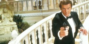 James Bond interpretato da Roger Moore