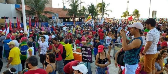 Manifestações em 15 estados pedem a saída de Temer