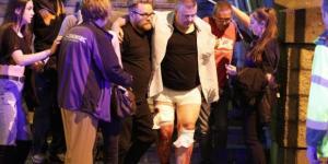 Feriti soccorsi dopo l'attentato all'Arena